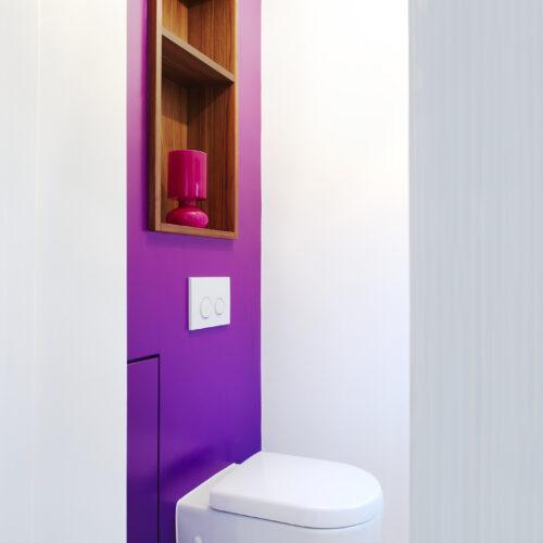 WC in violett